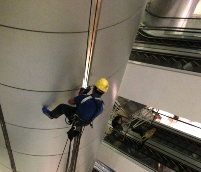 Rope Access Electrical Installation and Repair Singapore