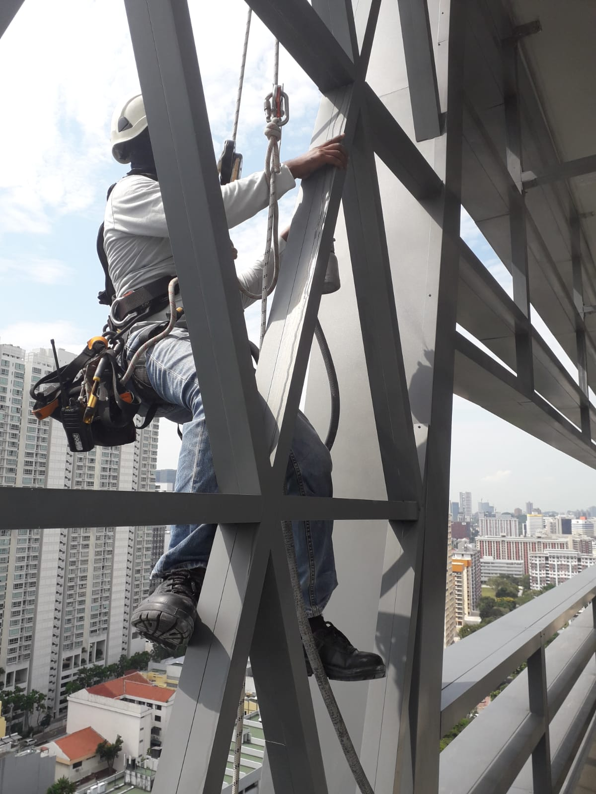 Rope Access Inspection for Loose Panel (Cladding) & Defects Singapore