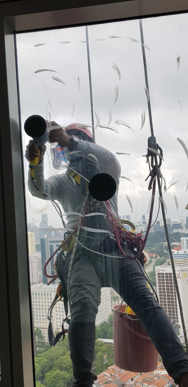 Rope Access External Façade Glass Polishing Singapore